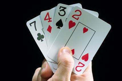 These are the Advantages of both Online and Offline Gambling Sites